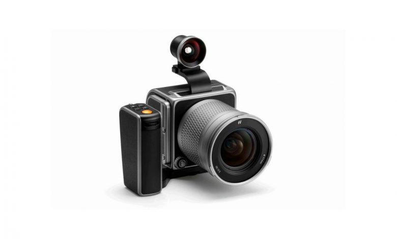 hasselblad-marks-80-years-of-camera-innovation-with-birthday-kit